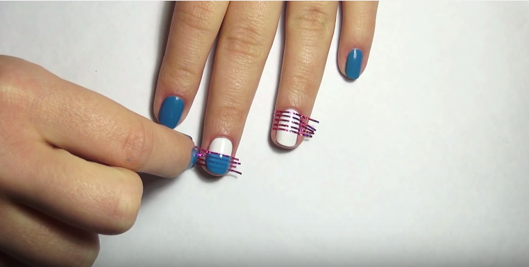 create zebra striped nails