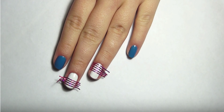 make strips on the nails