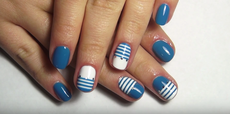 white blue striped nails