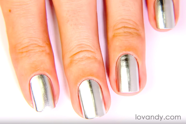 chrome effect nail polish