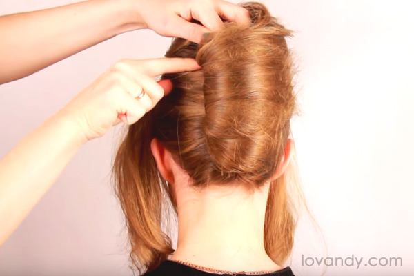 fixate the bun of french twist