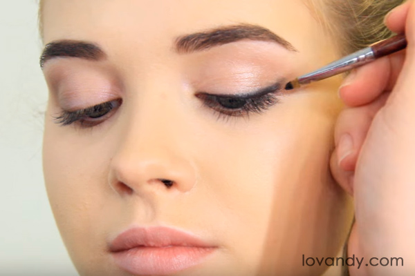 paint the eyeliner with a brush